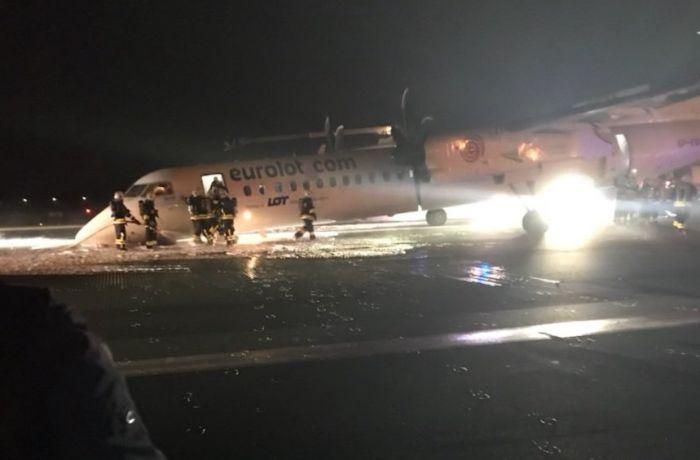 Ваэропорту Варшавы самолет совершил аварийную посадку
