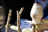 Гостей угощают традиционными деревенскими блюдами