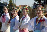 Народные музыка и танцы - один из обязательных атрибутов праздника