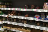 Полки в магазинах Польши. Раскупают консервы