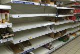 Полки в магазинах Польши. Раскупают каши